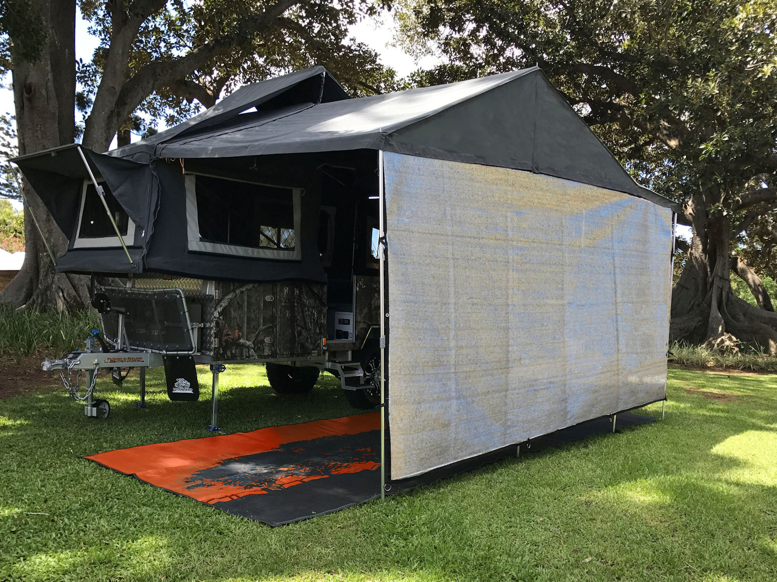 Camper shade screen wall